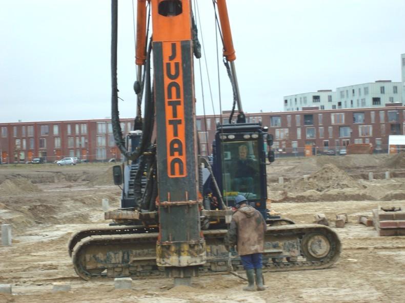 eindhoven meerwijk ht-12