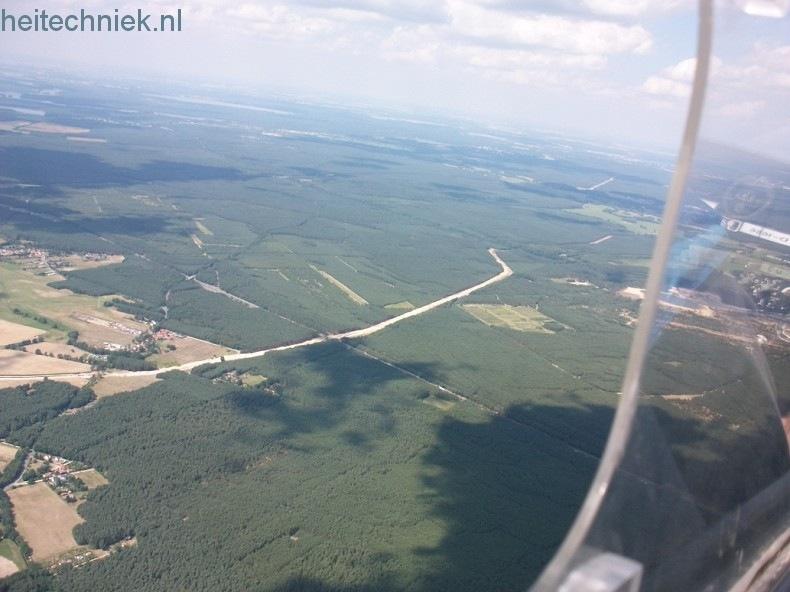 Aus dem Flugzeug 003-border