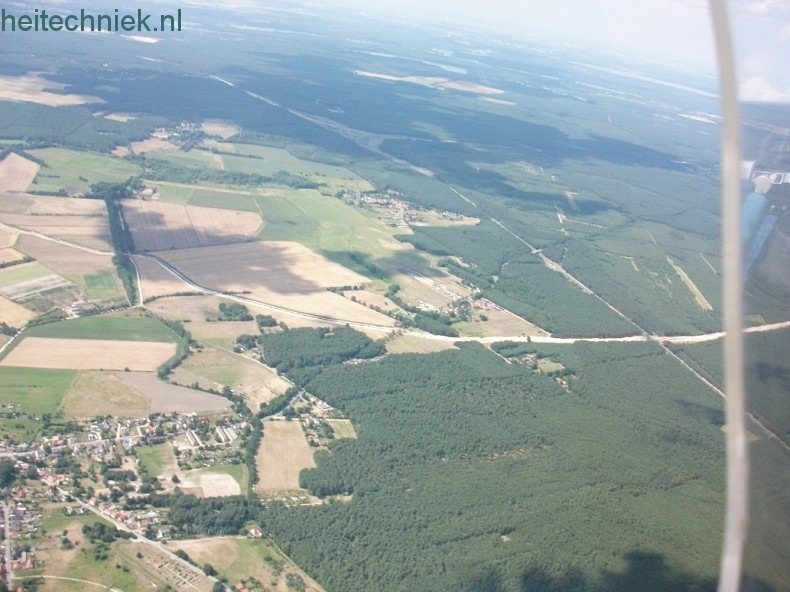Aus dem Flugzeug 008-border