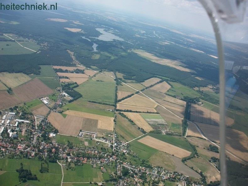 Aus dem Flugzeug 009-border