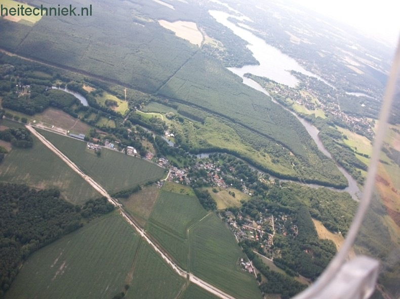Aus dem Flugzeug 036-border